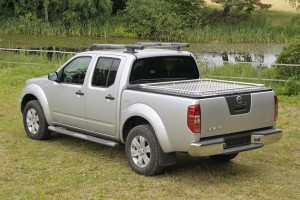 Kryt korby Mountain Top Tonneau Cover Nissan D40 Double Cab od 2005